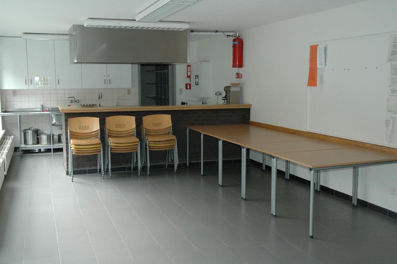 keuken en tafels in het verblijfscentrum Heywijck
